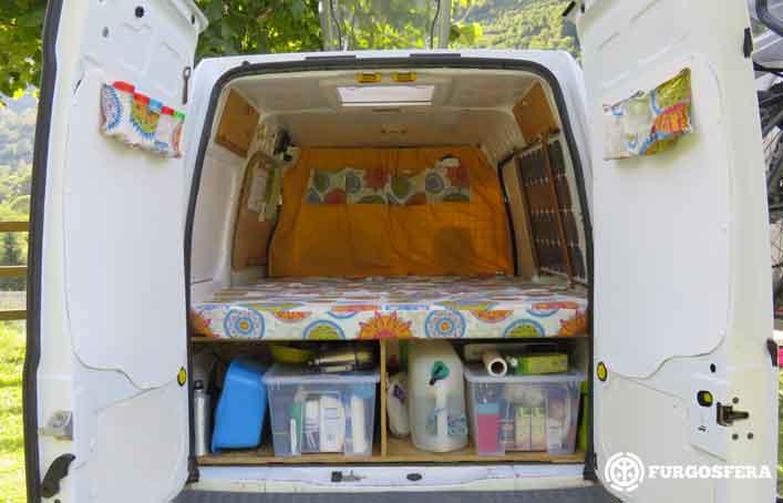 Viajar en furgoneta: La furgo de Verde por dentro