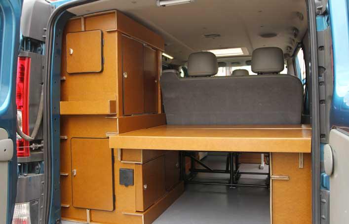 Camperizar la furgo con muebles de cart n for Muebles furgoneta camper