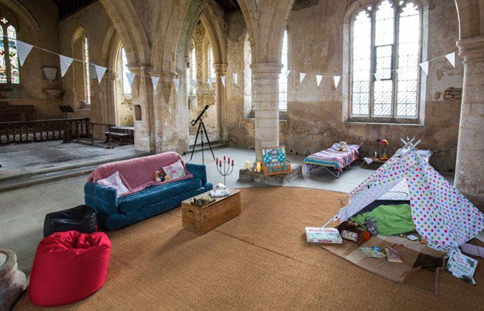 Church camping, la moda para salvar iglesias