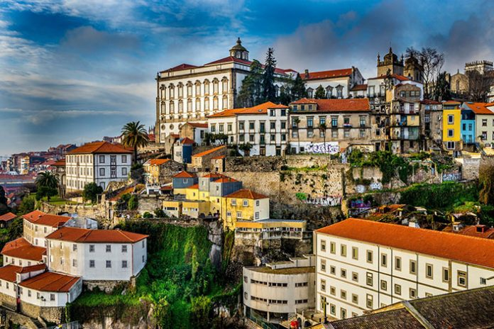 Visita Oporto en tu recorrido por Portugal en furgoneta