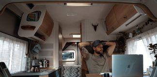 Jose pasa la cuarentena en su furgo