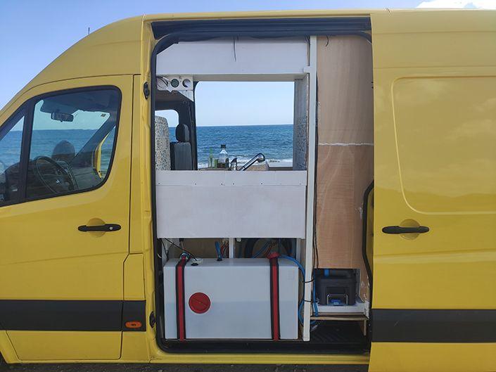pros de la furgo con dos puertas laterales